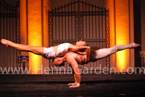 Mixed Duo Hand Balancing